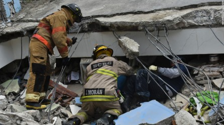 160417174703-10-ecuador-earthquake-0417-super-169